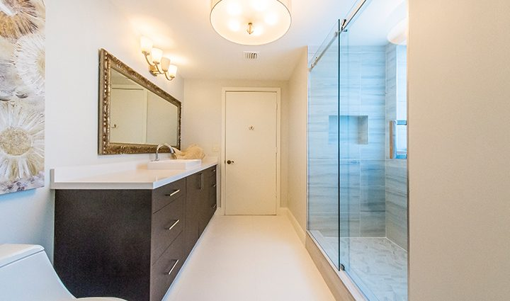 Guest Bathroom in Residence 12B, Tower I at The Palms, Luxury Oceanfront Condominiums Fort Lauderdale, Florida 33305